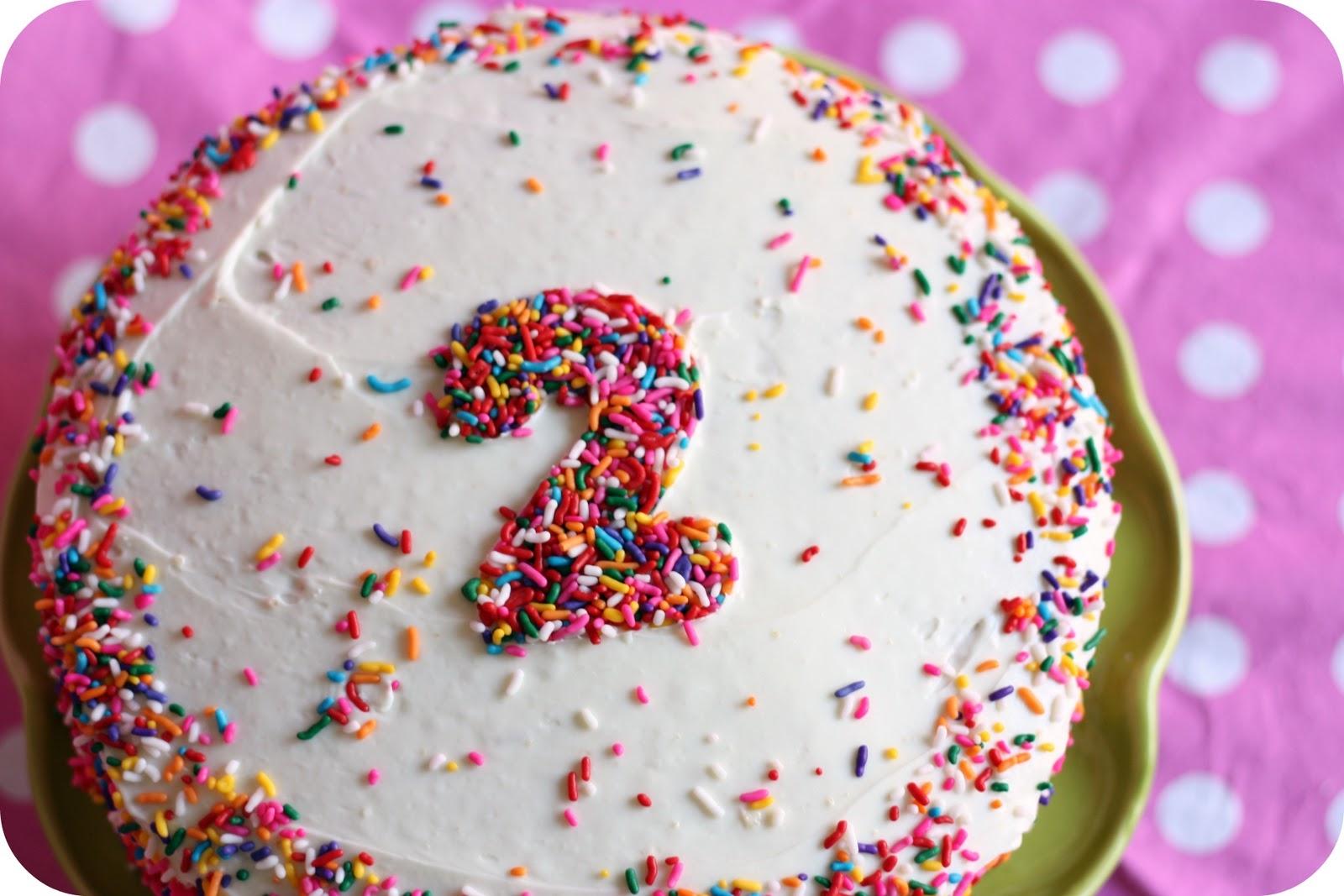 Que legal a ideia de colocar o numeral da ideia no bolo!